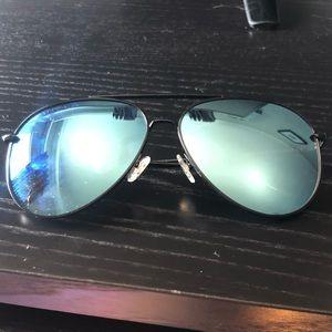 Becca Kufrin sunglasses. Diff eyewear